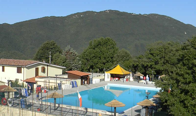 piscina il lescuso panoramica