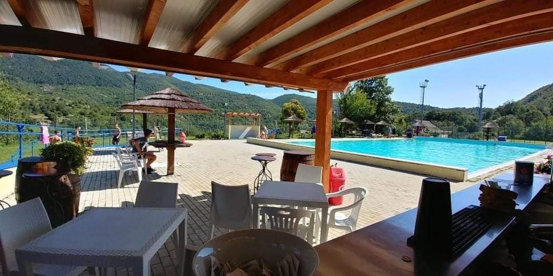 """Riapertura in grande stile a Jenne per la piscina al """"Lescuso"""". Una oasi di pace, relax e buongusto nella porta della Valle Aniene"""