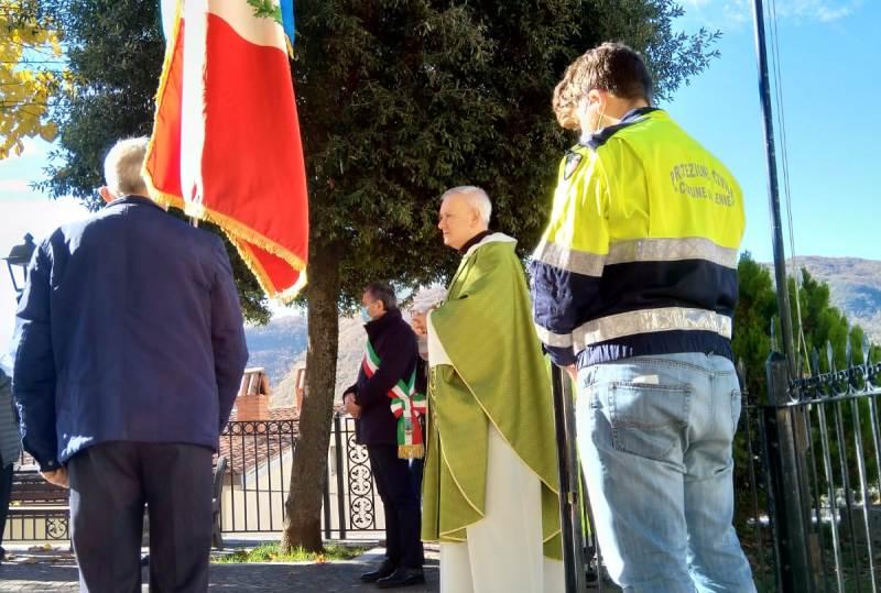 Mesta cerimonia a Jenne per l'unità nazionale ed in onore delle Forze Armate